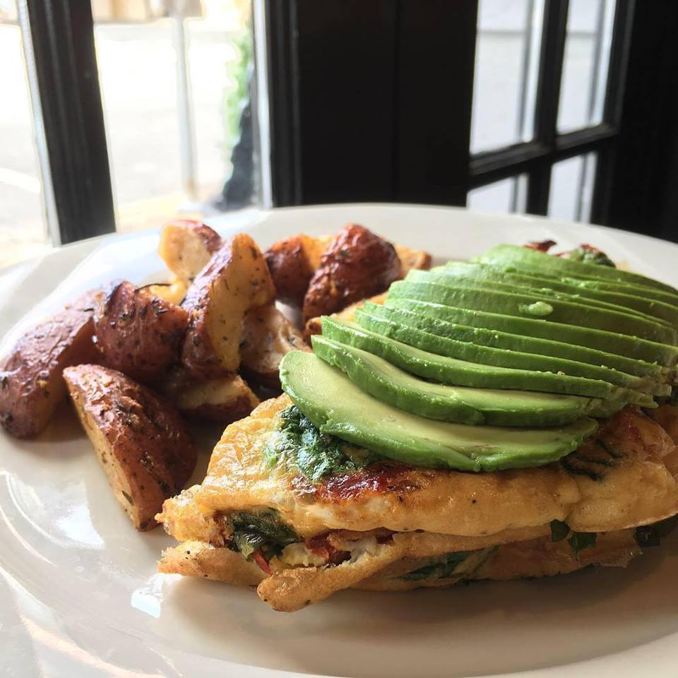 Lunch and Brunch Returns to Neapoli!