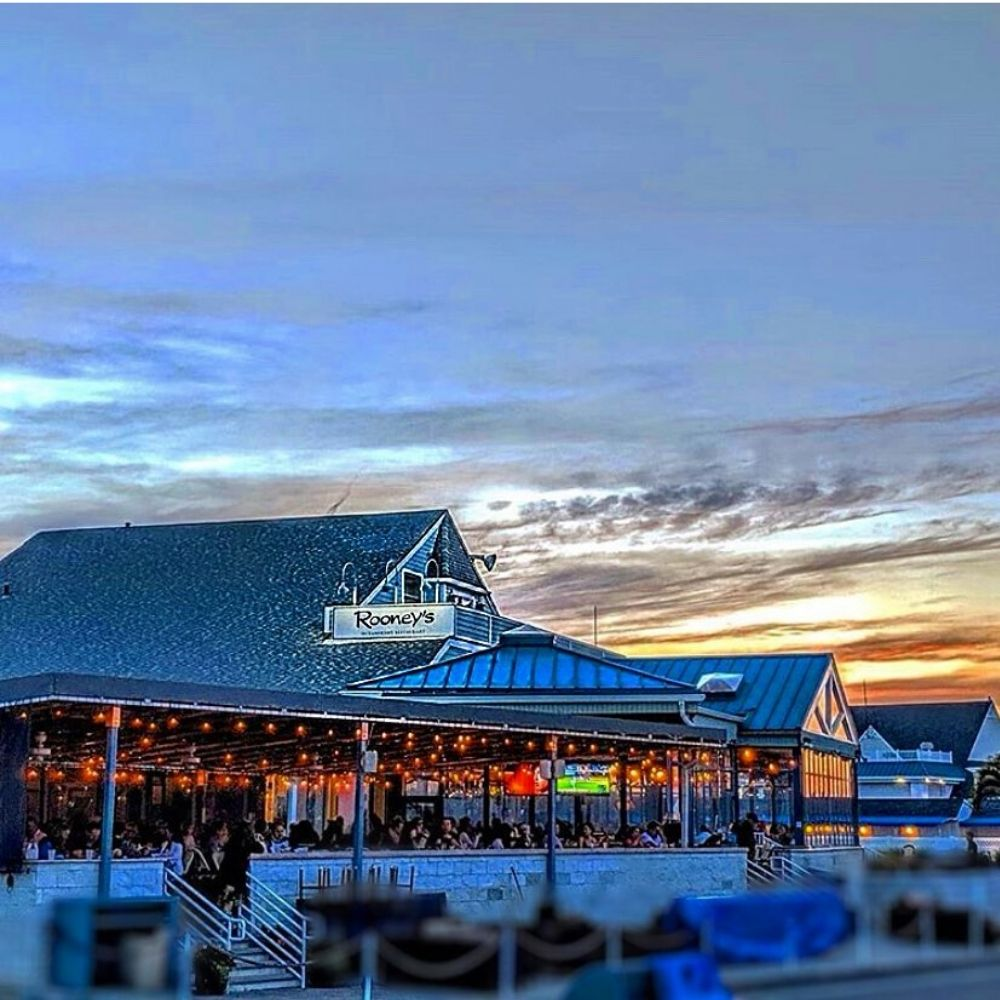 Local's Summer Dining at Rooney's Oceanfront!