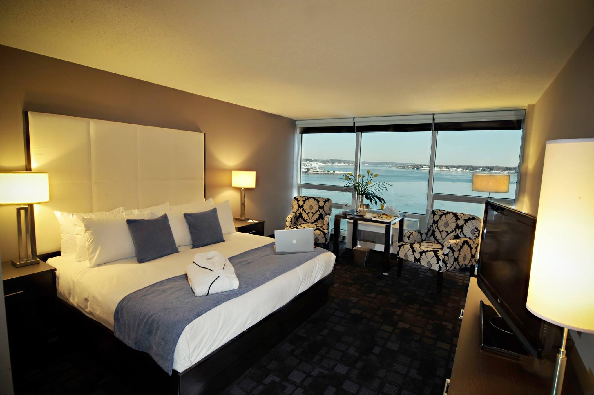Special Packages at Oyster Point Hotel