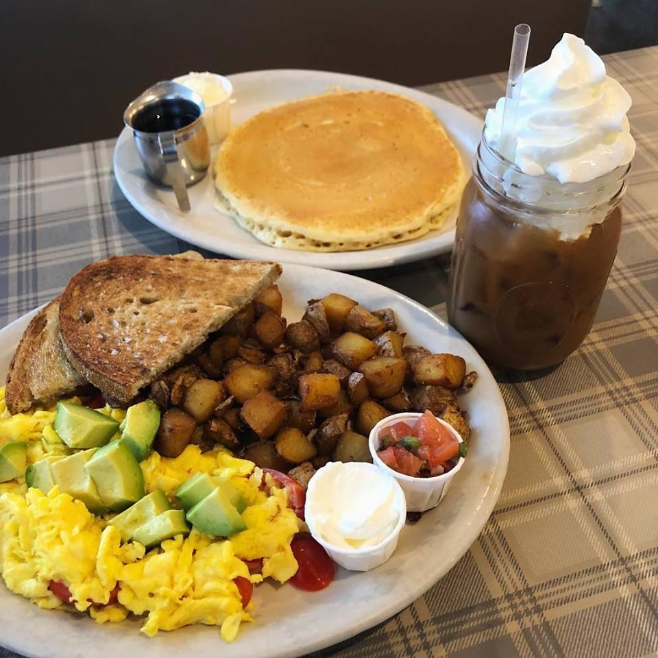 Legendary Breakfast, Brunch, and Lunch